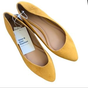 Old Navy Faux Suede Pointy Ballet Flats Size 9